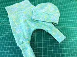 Baby Set Leggings Hat Valori Wells cotton knit swirl print green blue sewing report